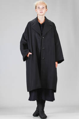 long and wide coat in very soft cashmere cloth, lined in cotton canvas  - 347