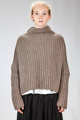 wide hip length sweater in vertical wide-ribbed knit of virgin wool and cashmere  - 161