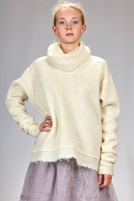 long and wide sweater in longhaired wool, mohair and polyamide knitting  - 163