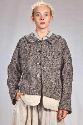 hip length wide pea coat in barbed wool with needlework with a devoré effect on a contrasting colored wool ausetex base  - 359