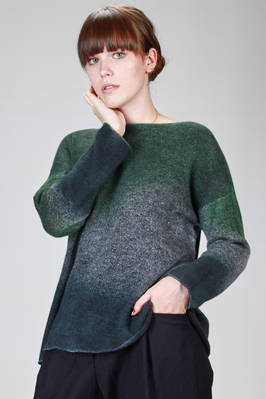 hip length sweater in very soft and light stockinette stitch of cashmere with nuance of multiple shades  - 360