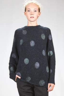 long and wide sweater in wide stitched cashmere knitting with printed polka dots  - 360