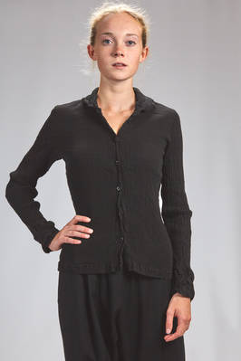 hip length shirt in vertical and irregular froissé of stretch cotton, slim fit - CRÊPERIE