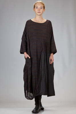long and wide dress in doubled cotton canvas with block of different tone on tone check  - 326