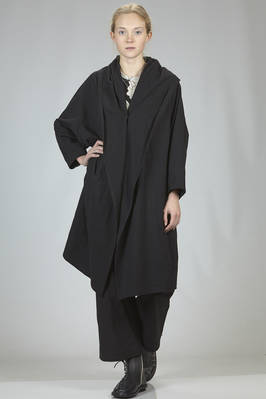 wide overcoat, above the knee in soft, light and wrinkled cotton and polyester canvas  - 97