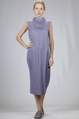 longuette dress in bicolour vertical and narrow polyester plissé with iridescent effect  - 111