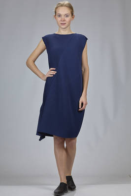 knee length dress in light polyester plissé with diagonal waves  - 47