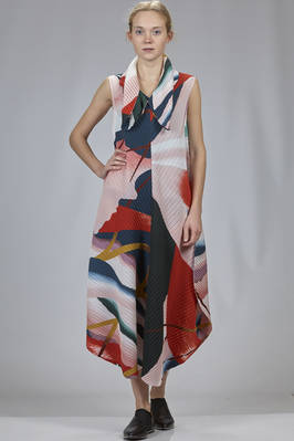 long dress in polyester plissé with soft waves and multicolour print  - 47
