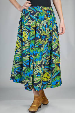wide divided skirt in rayon and cotton canvas with floral print  - 121