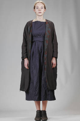 wide and double coat in over dyed Londoner cotton liberty on one side and the back in solid colour and the other side in light solid colour cotton  - 195