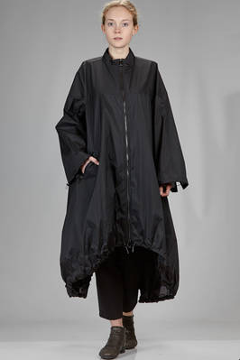 long and wide waterproof and windproof coat in crunch voile  - 355