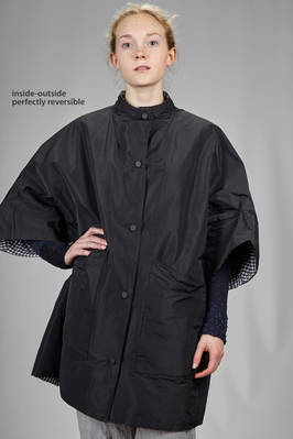 above the knee waterproof double coat: one side in techno polyester taffetas and the other in waterproof polyamide vichy  - 355