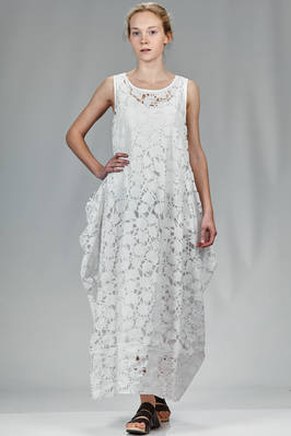 long and wide dress on polyester taffetas with laser cut snow crystals and petticoat in polyester georgette  - 364