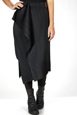 longuette skirt in pleated polyester with narrow diagonals pleats  - 111