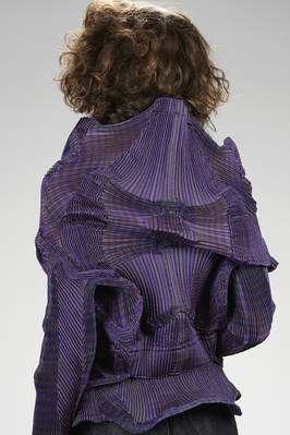 short and slim fitted 'sculpture' jacket in multicolor striped polyester and polyurethane plissé with three-dimensional 'fractal' waves - ISSEY MIYAKE