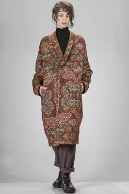 calf length coat in embossed woollen and silk jacquard with tapestry pattern  - 97