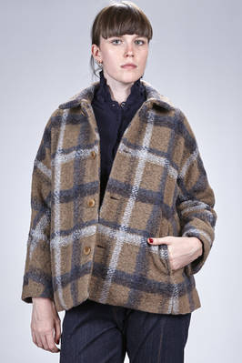 hip length pea coat in polyester, wool and acrylic cloth with big check pattern, cupro lined  - 327