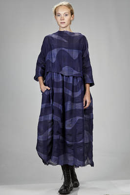 long and wide dress in linen and wool gauze with horizontal waves and tone in tone squares pattern  - 195