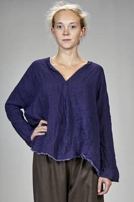 hip length shirt very wide at the bottom in linen and embossed wool crêpe with denim effect  - 195