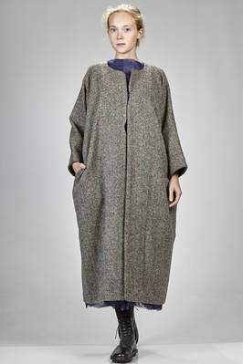 long and wide coat in barbed of wool  - 195