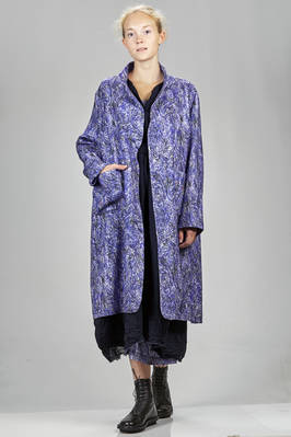 knee length coat in light wool crêpe with a thick ball-point pen print  - 195