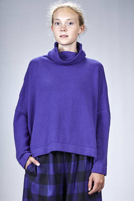 wide hip length sweater in cashmere knitting  - 195