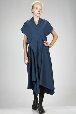 132 5. Issey Miyake – calf length asymmetrical dress in smooth recycled polyester canvas - ISSEY MIYAKE