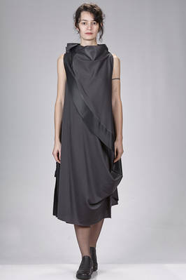 132 5. Issey Miyake – calf length asymmetrical dress in smooth a-poc canvas of polyester  - 47