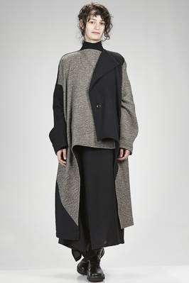 wide and asymmetrical coat in carded tweed of wool and nylon and parts in solid colour carded wool and nylon  - 97