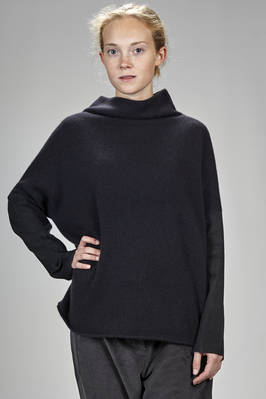 long and wide sweater in cashmere and wool knitting with leather insert  - 366