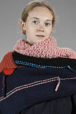 wide shawl in knitted wool  - 195