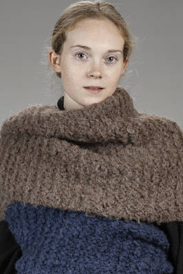 wide shawl in knitted alpaca  - 195
