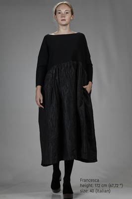 long and wide dress in wool knit, washed wool and linen gauze and washed silk taffetas  - 195